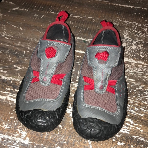 f3d35534f478 Kids Teva Proton water shoes 1. M 5af0fb6ea4c485df53630309